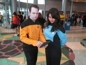 Data and Dr Crusher conferring!!