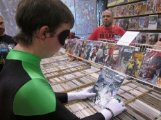 Green Lantern reads Green Lantern!!