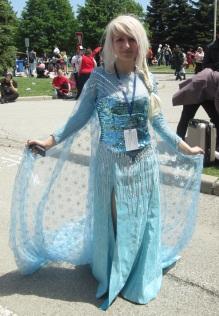 Elsa Freezes All!