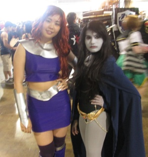 Starfire and Raven!! And We All Agree, New 52 Starfire Is Yucky!!