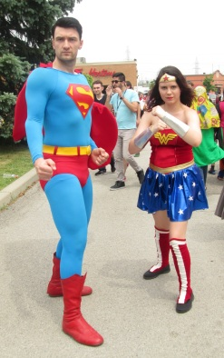 Superman and Wonder Woman looking for Doomsday!
