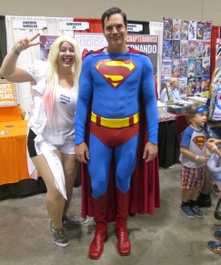 Superman photobombed by Harley Quinn!!