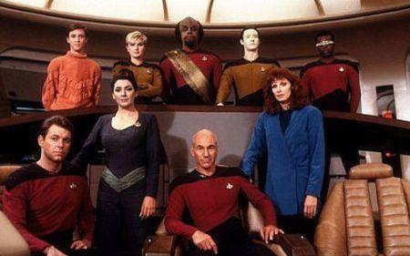 star-trek-the-next-generation-season-1-cast-pic